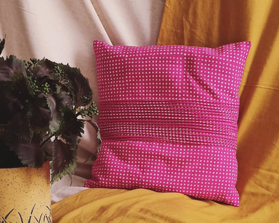 Vintage roy cushion thumb