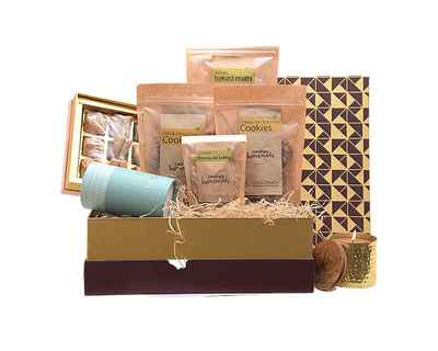 Premium tea hamper with luxury candle diwali gift hamper thumb
