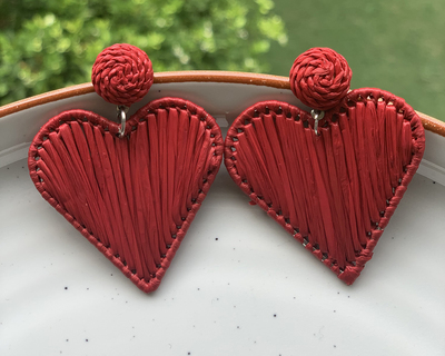 Raffia heart earrings red thumb