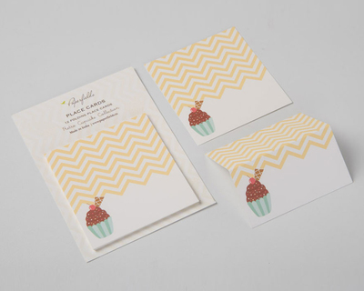 Cupcake place cards thumb