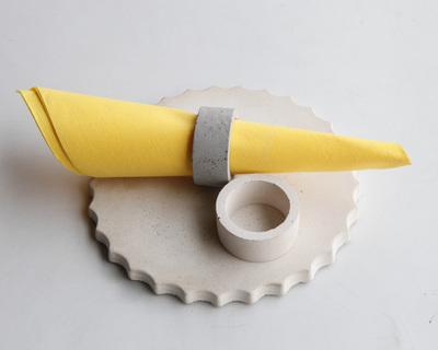 Oring napkin ring thumb