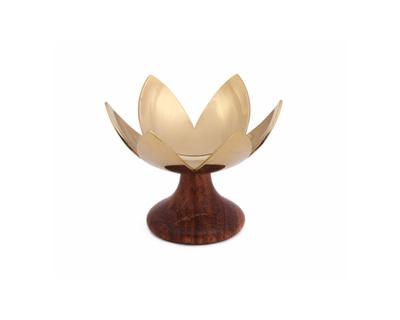 Lotus blossom thumb