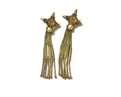 Tiyana ear rings thumb