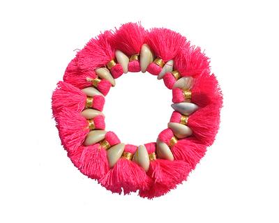 Cowrie tassel pink thumb