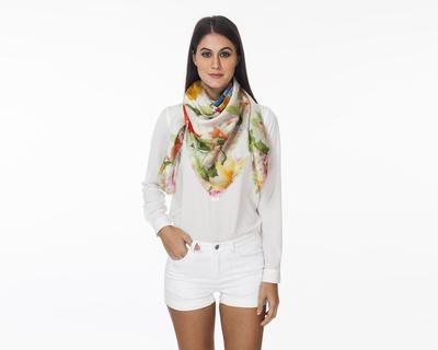 Classic bloom scarf thumb