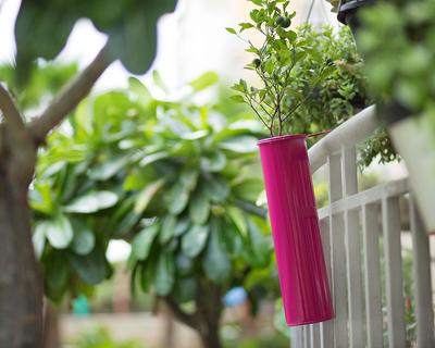 Hang on balcony planter thumb