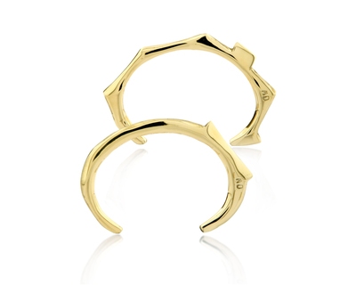 Totem flat bangle set gold thumb