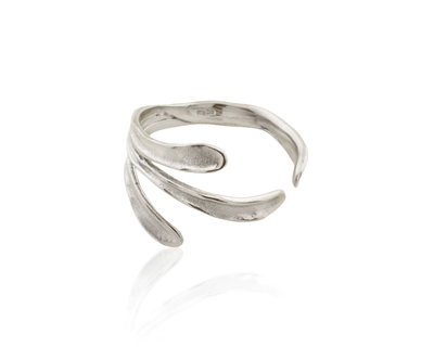 Sirena bangle silver thumb