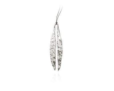 Quarry long leaf pendent silver thumb