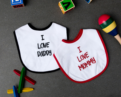 I love mommy daddy bibs set of 2 thumb