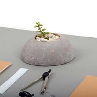 A round planter small