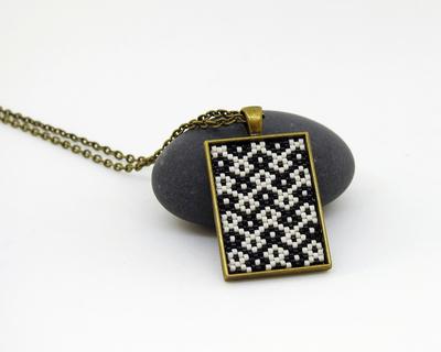 Seamless short pendant black white buti thumb