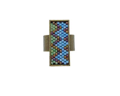 Short zig zag ring in light green and blue thumb