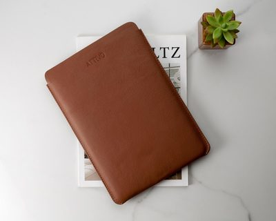 Macbook sleeve brown thumb