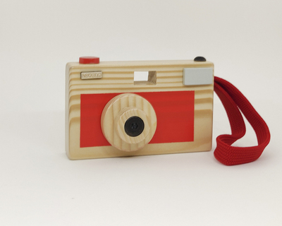 Camera toy thumb