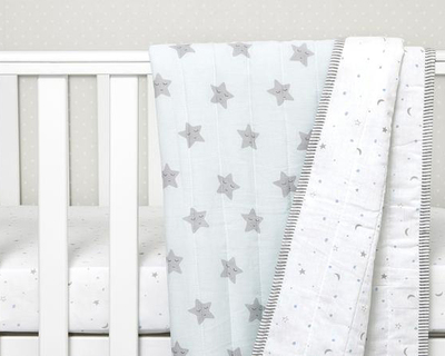 Sleepy star organic quilted blanket thumb