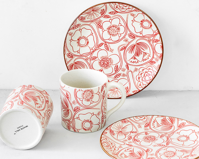 Comfort staples tea set for two 2 coffee mugs 2 quarter plates thumb