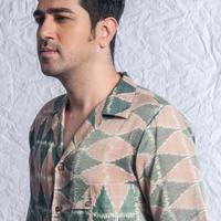 Cuban collar shirt small