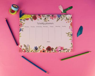 Vintage floral design weekly planner thumb