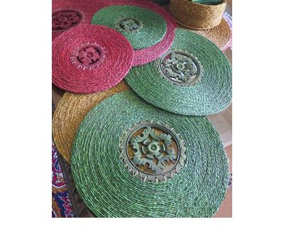 Sabai grass mat with wood large thumb