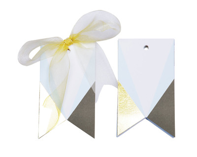 Asymmetrical gift tags thumb